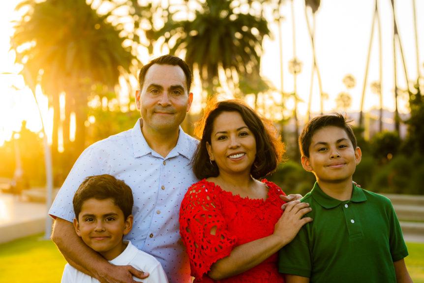 Ariellevate Photography, Sunset Family portrait in Santa Monica